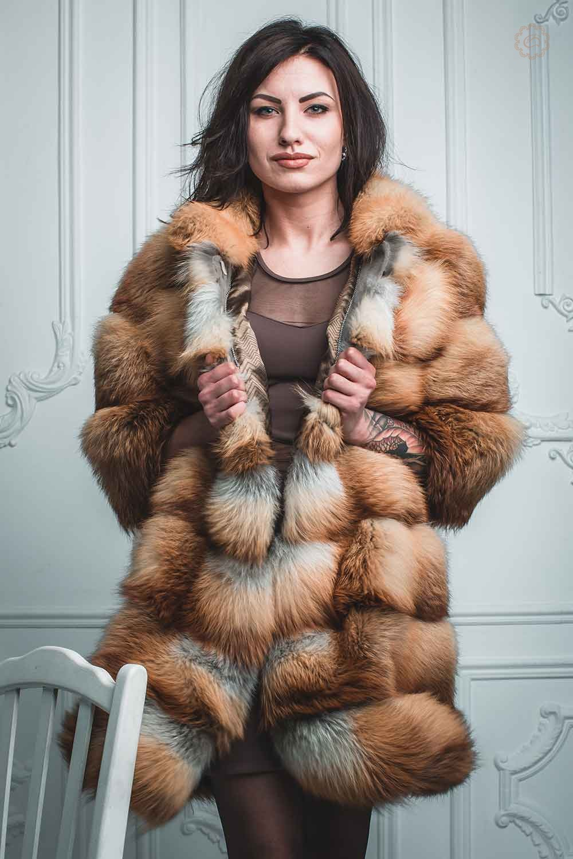 Шуба из лисы Цена от: 18000 грн